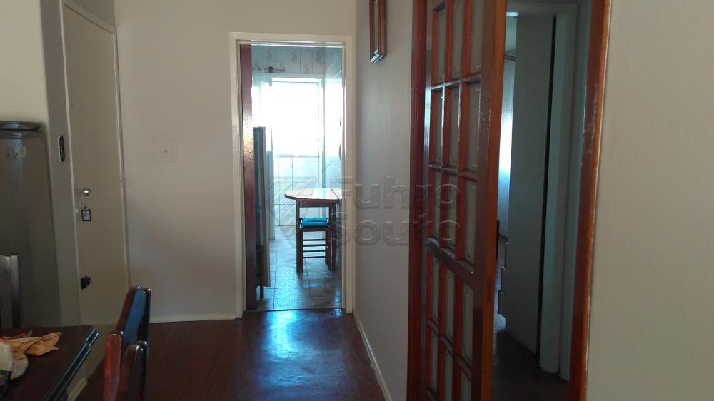 Alugar Apartamento / Padrão em Pelotas R$ 1.300,00 - Foto 4