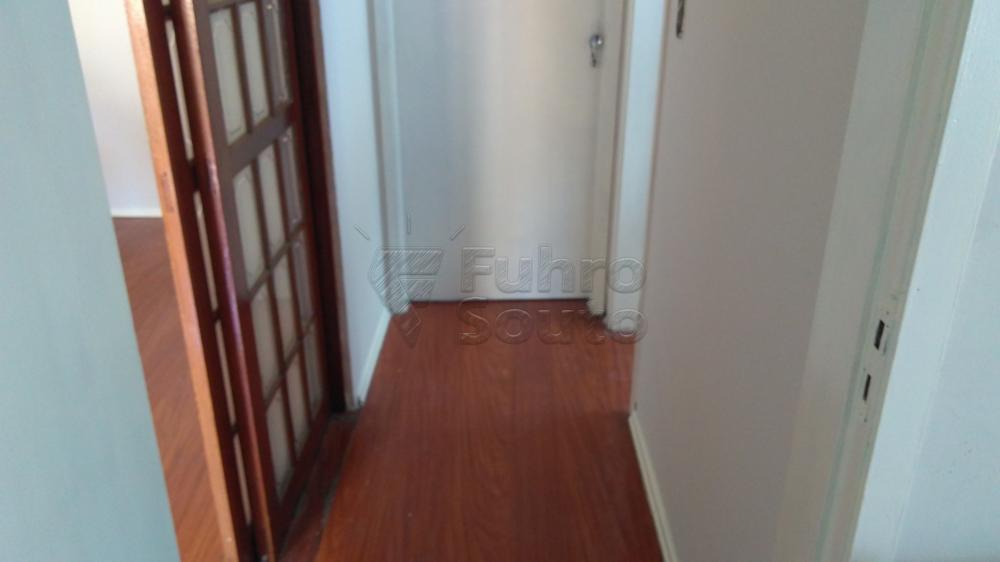 Alugar Apartamento / Padrão em Pelotas R$ 1.300,00 - Foto 3
