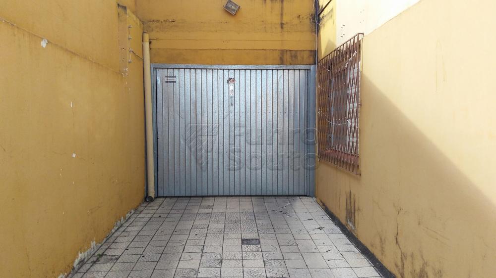 Alugar Apartamento / Padrão em Pelotas R$ 1.300,00 - Foto 15