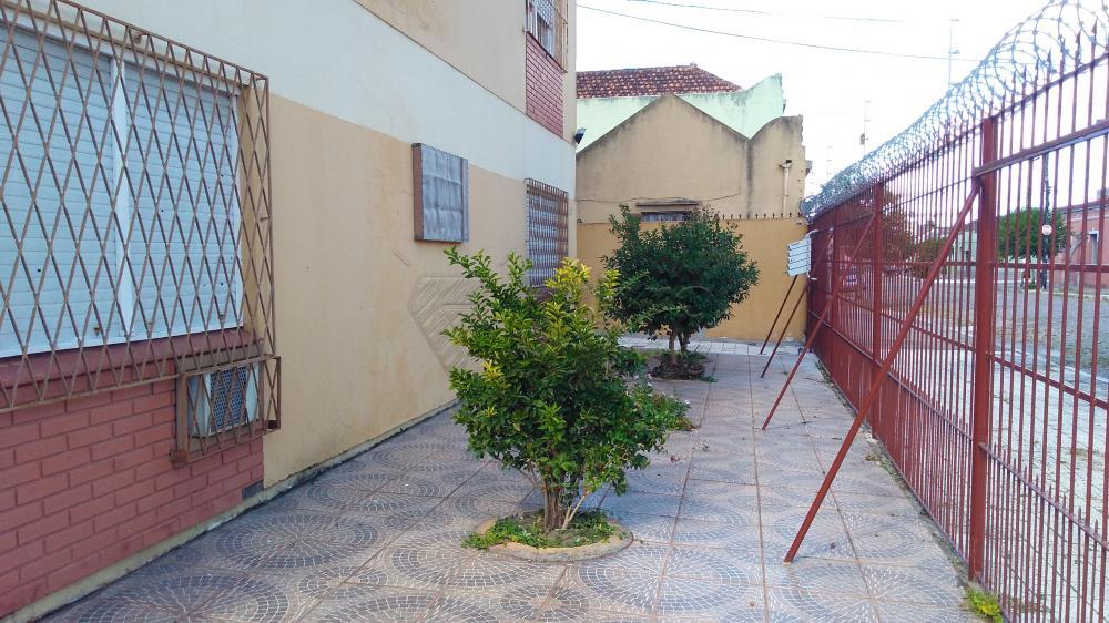 Alugar Apartamento / Padrão em Pelotas R$ 1.300,00 - Foto 17
