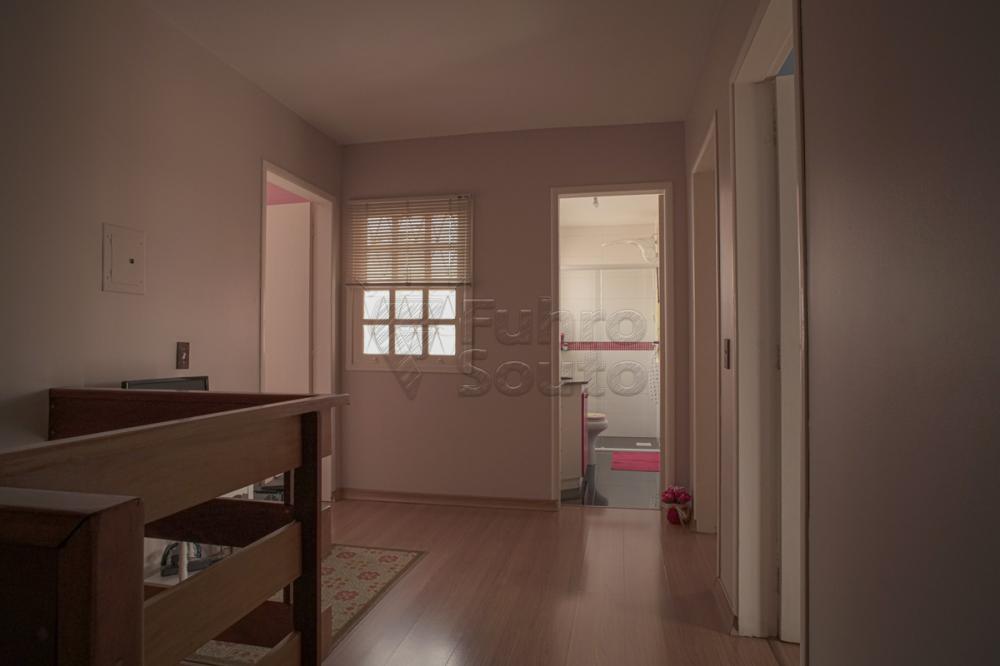 Alugar Casa / Padrão em Pelotas R$ 2.000,00 - Foto 4