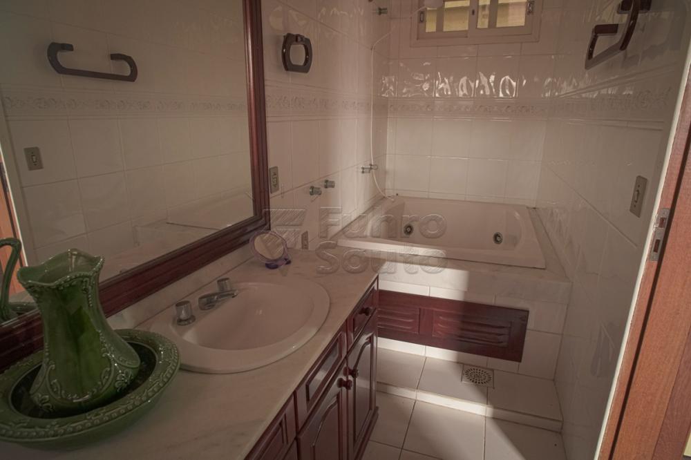 Alugar Casa / Padrão em Pelotas R$ 2.000,00 - Foto 21