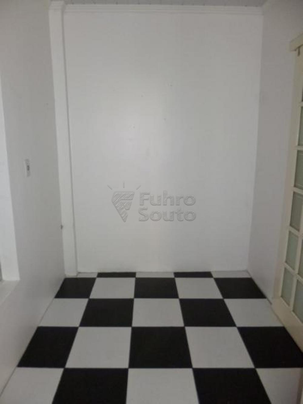 Comprar Casa / Padrão em Pelotas R$ 450.000,00 - Foto 17
