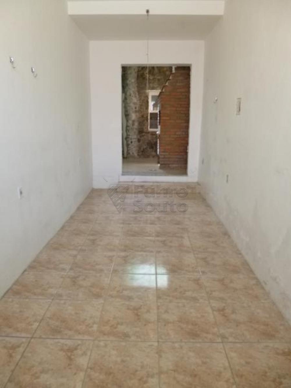 Comprar Casa / Padrão em Pelotas R$ 450.000,00 - Foto 9