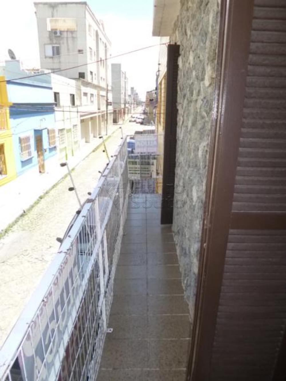 Comprar Casa / Padrão em Pelotas R$ 450.000,00 - Foto 11