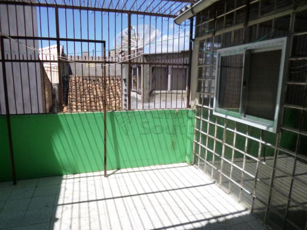 Comprar Casa / Padrão em Pelotas R$ 450.000,00 - Foto 13