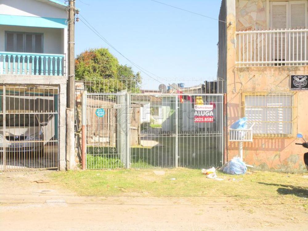 Alugar Casa / Padrão em Pelotas R$ 450,00 - Foto 1