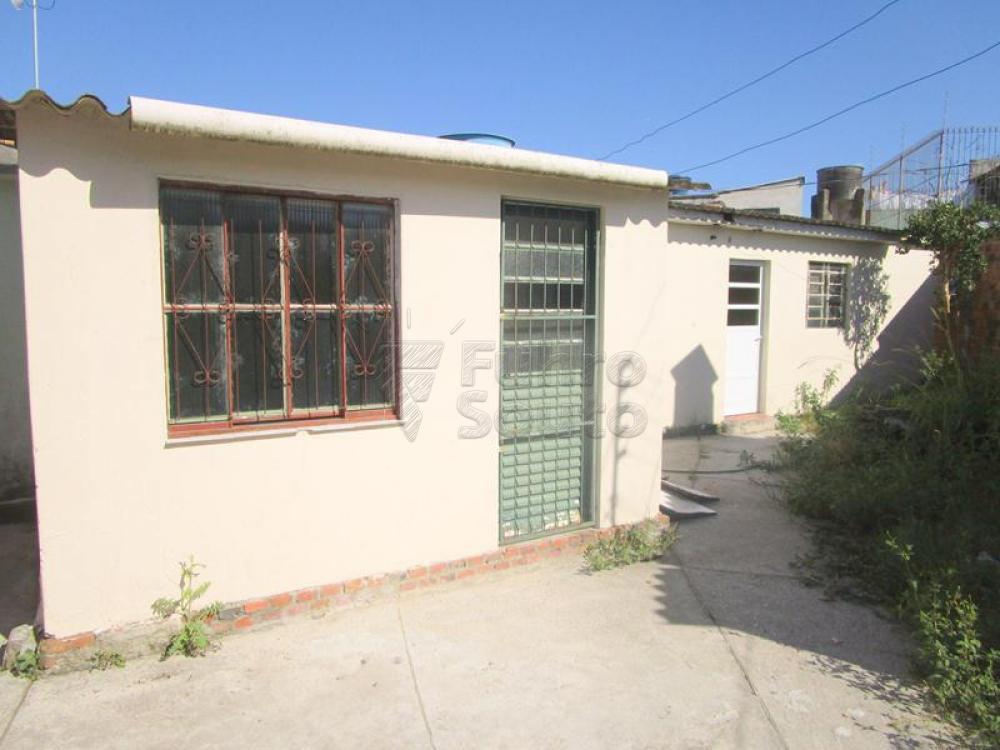 Alugar Casa / Padrão em Pelotas R$ 550,00 - Foto 2