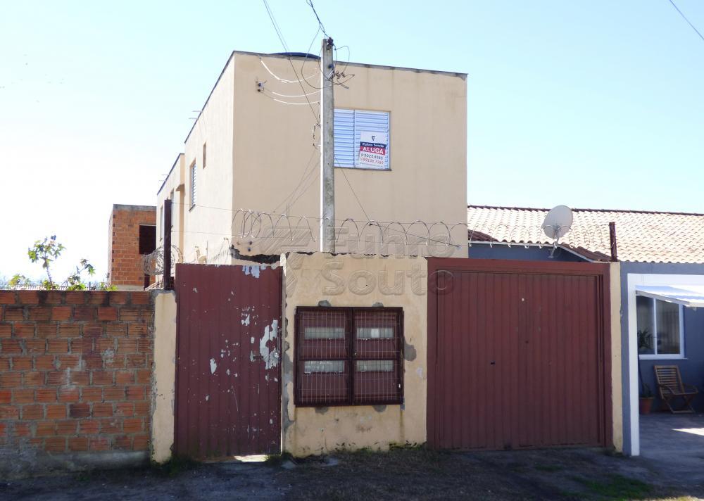 Alugar Casa / Padrão em Pelotas R$ 350,00 - Foto 1