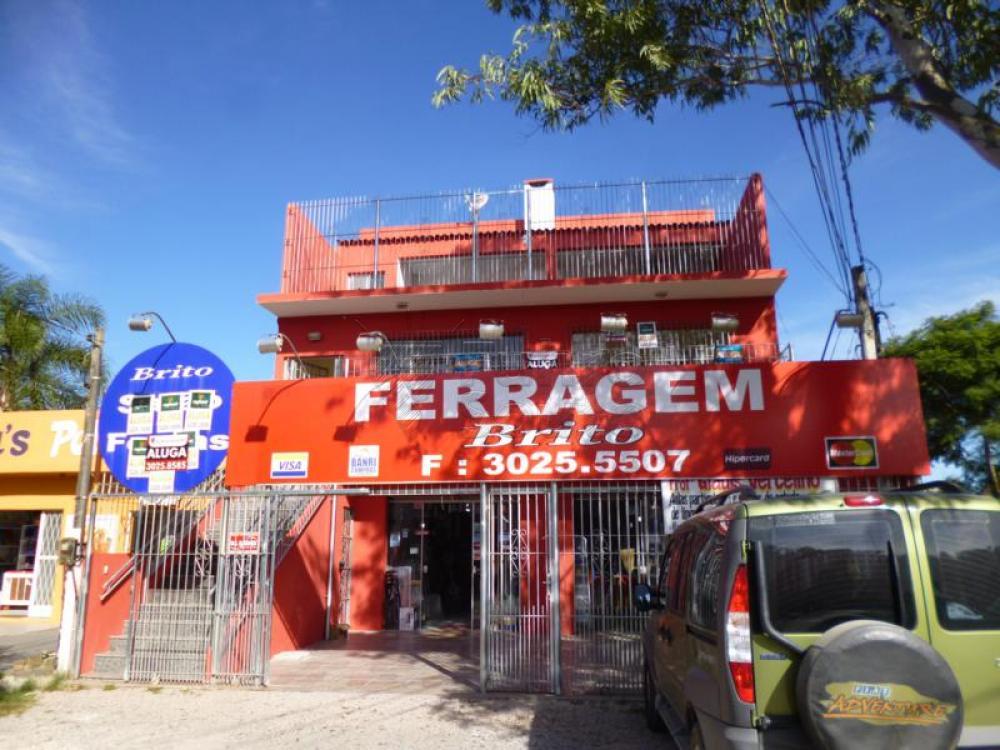 Alugar Casa / Padrão em Pelotas R$ 1.900,00 - Foto 1