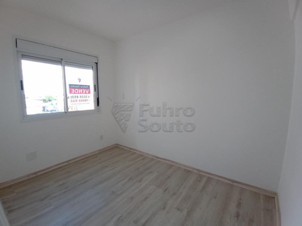 Alugar Apartamento / Padrão em Pelotas R$ 1.400,00 - Foto 1