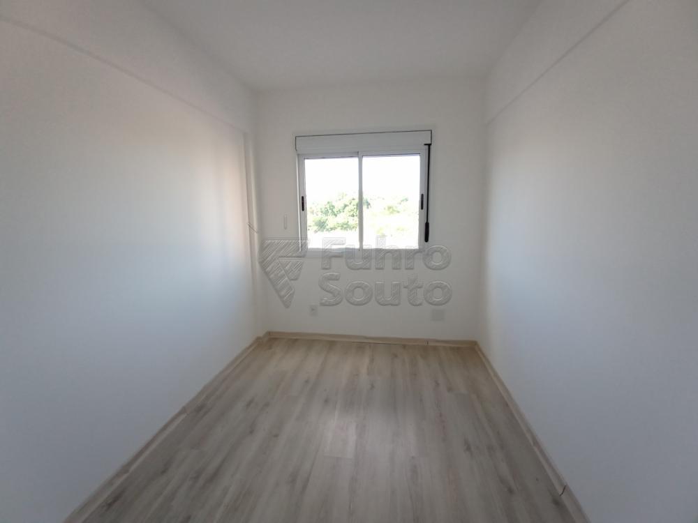 Alugar Apartamento / Padrão em Pelotas R$ 1.400,00 - Foto 3