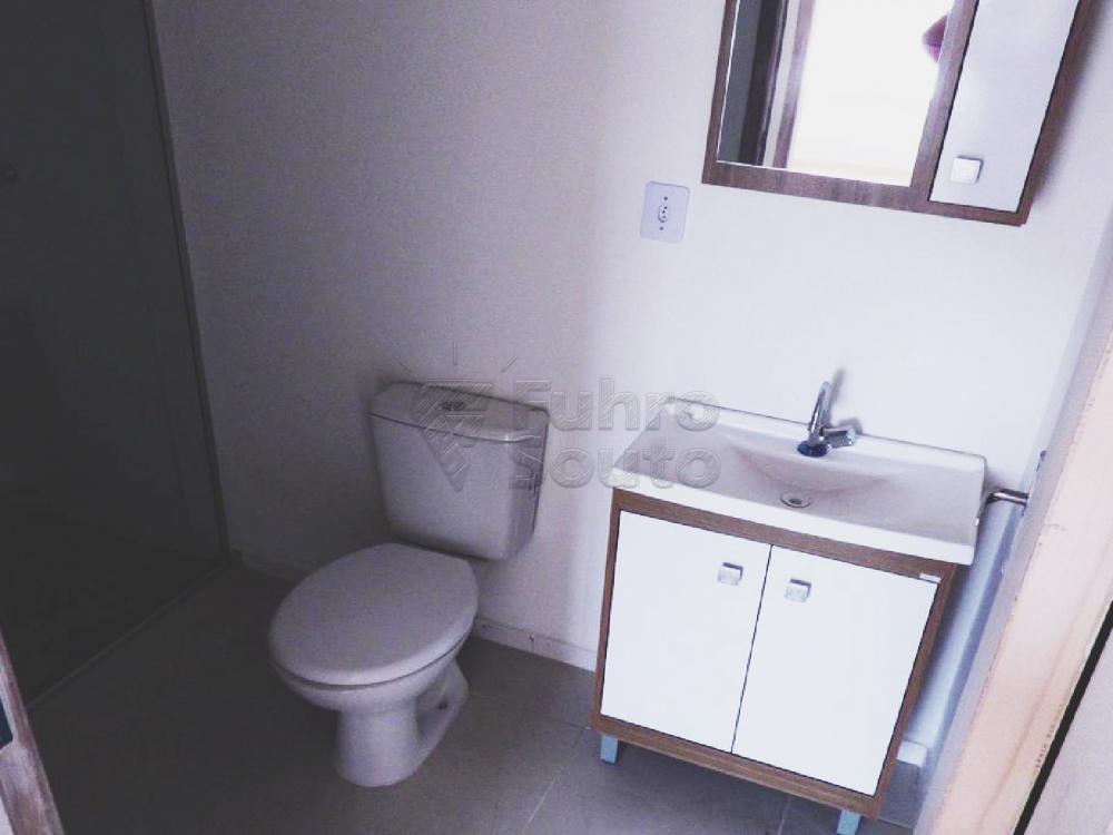 Alugar Casa / Condomínio em Pelotas R$ 900,00 - Foto 5