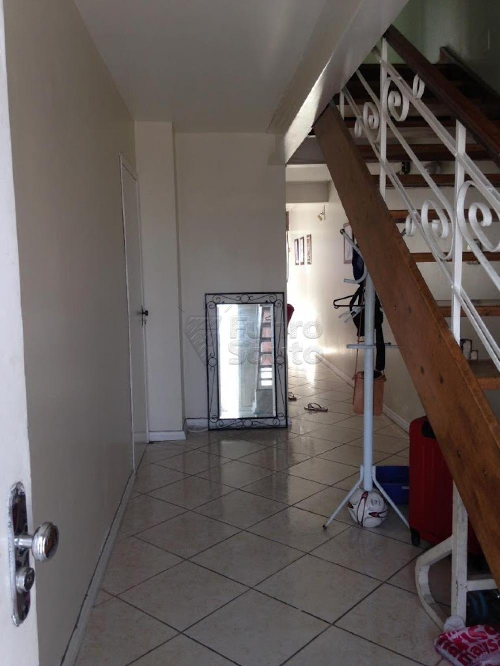 Comprar Casa / Padrão em Pelotas R$ 398.000,00 - Foto 4