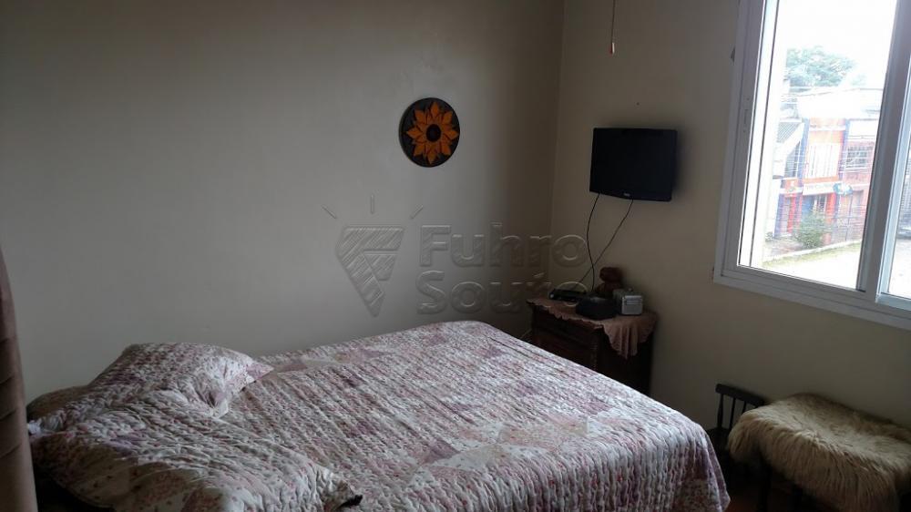 Comprar Apartamento / Padrão em Pelotas R$ 250.000,00 - Foto 3