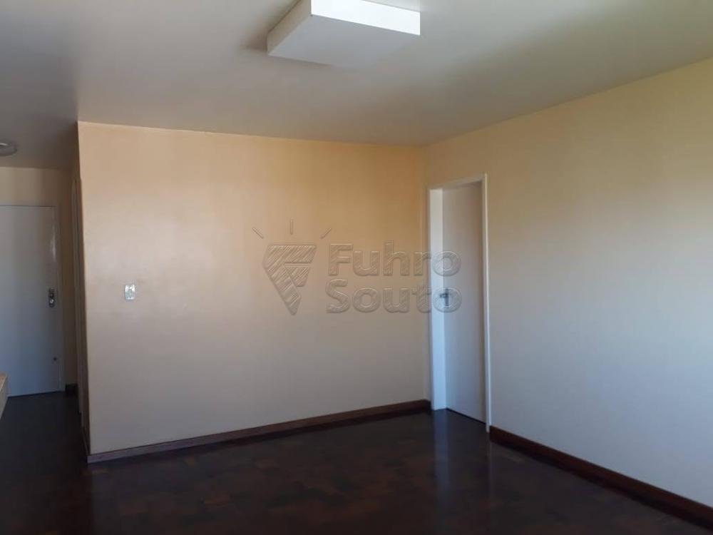Comprar Apartamento / Padrão em Pelotas R$ 340.000,00 - Foto 1