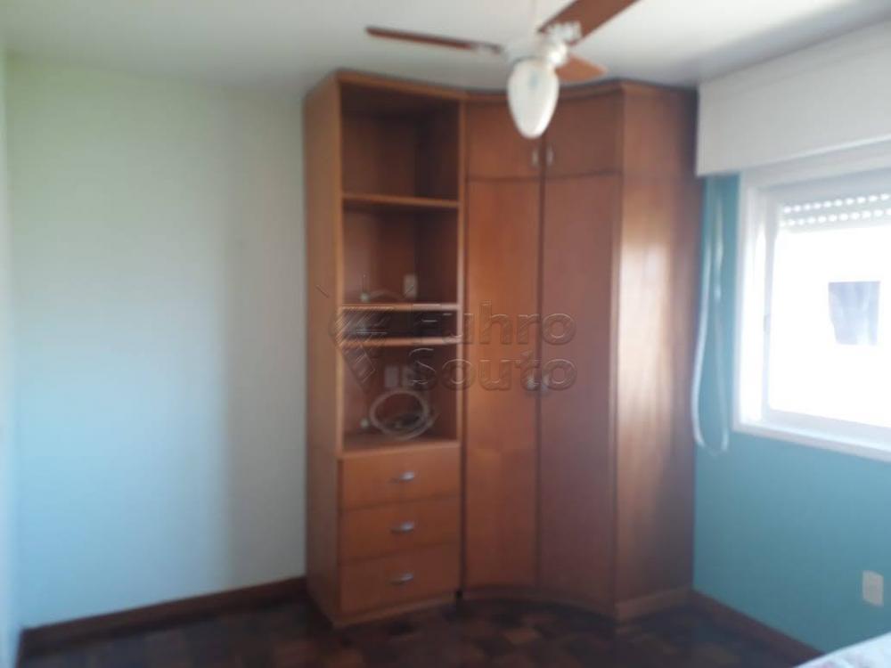 Comprar Apartamento / Padrão em Pelotas R$ 340.000,00 - Foto 6