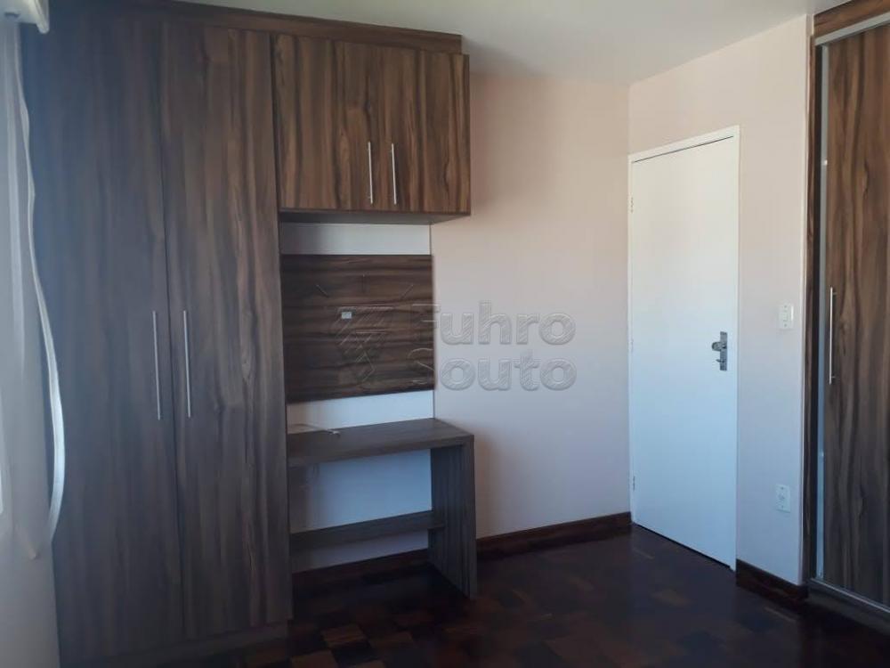 Comprar Apartamento / Padrão em Pelotas R$ 340.000,00 - Foto 8