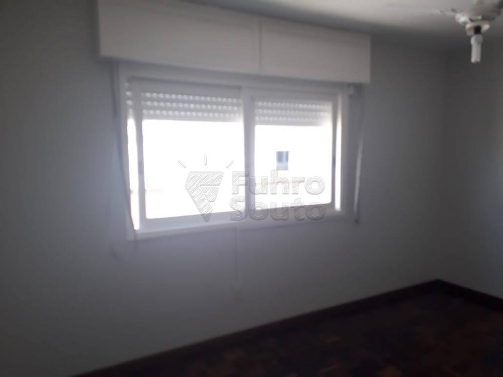Comprar Apartamento / Padrão em Pelotas R$ 340.000,00 - Foto 4