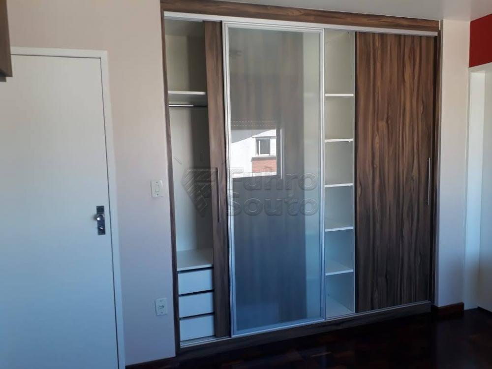 Comprar Apartamento / Padrão em Pelotas R$ 340.000,00 - Foto 9
