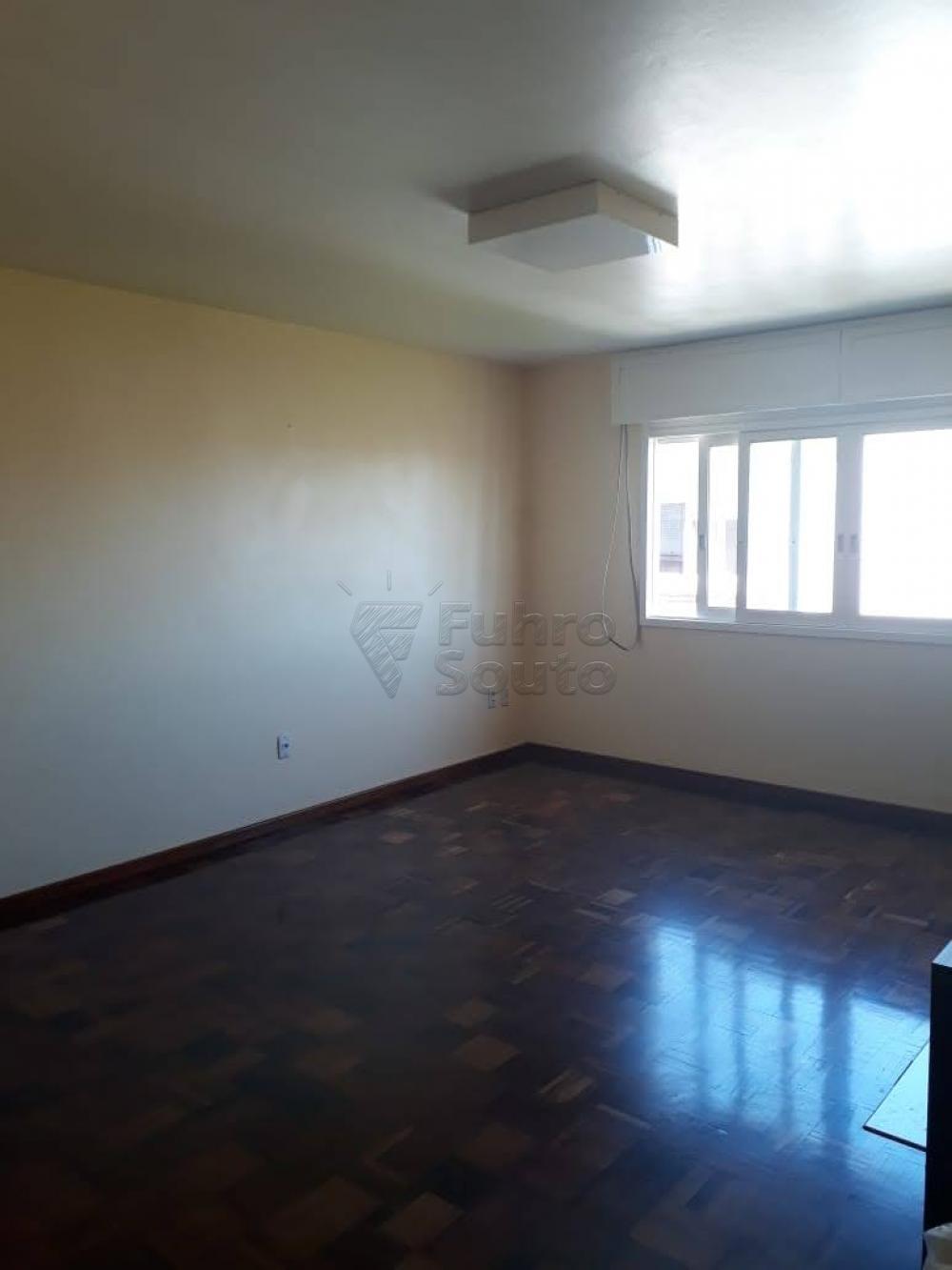Comprar Apartamento / Padrão em Pelotas R$ 340.000,00 - Foto 7