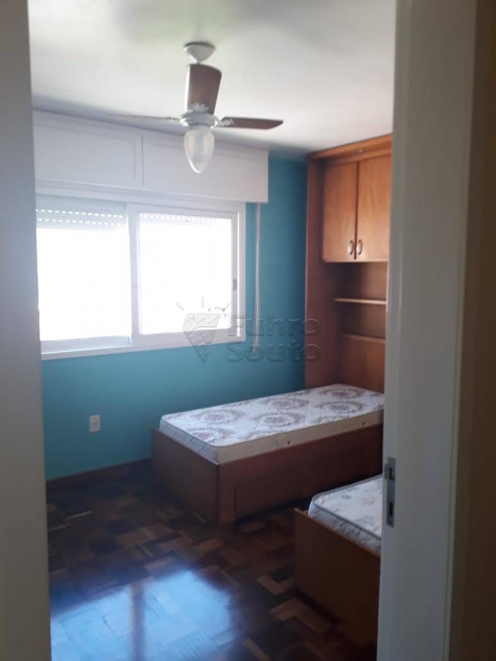 Comprar Apartamento / Padrão em Pelotas R$ 340.000,00 - Foto 11