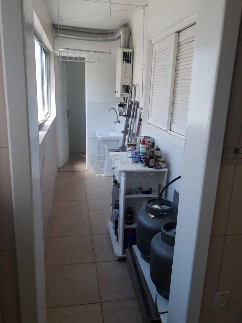 Comprar Apartamento / Padrão em Pelotas R$ 340.000,00 - Foto 19