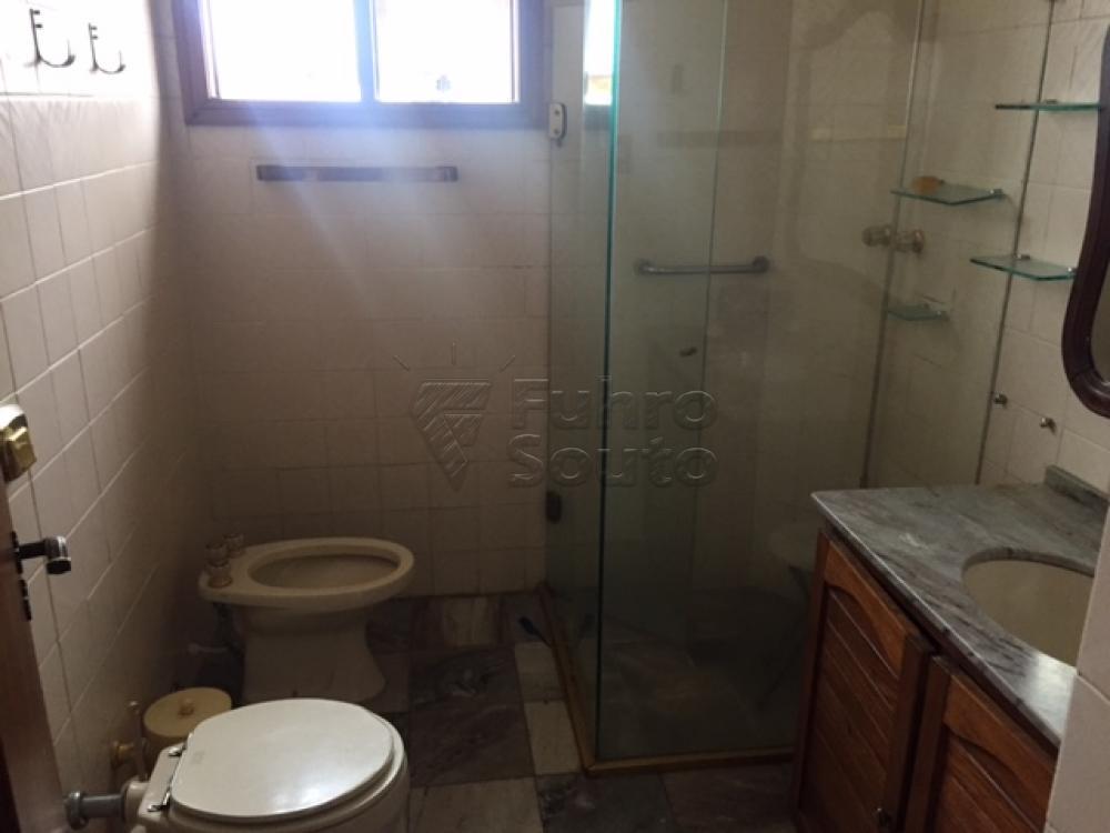 Comprar Apartamento / Cobertura em Pelotas R$ 990.000,00 - Foto 4