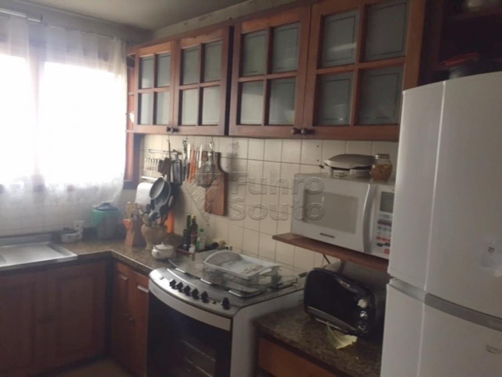Comprar Apartamento / Cobertura em Pelotas R$ 990.000,00 - Foto 14
