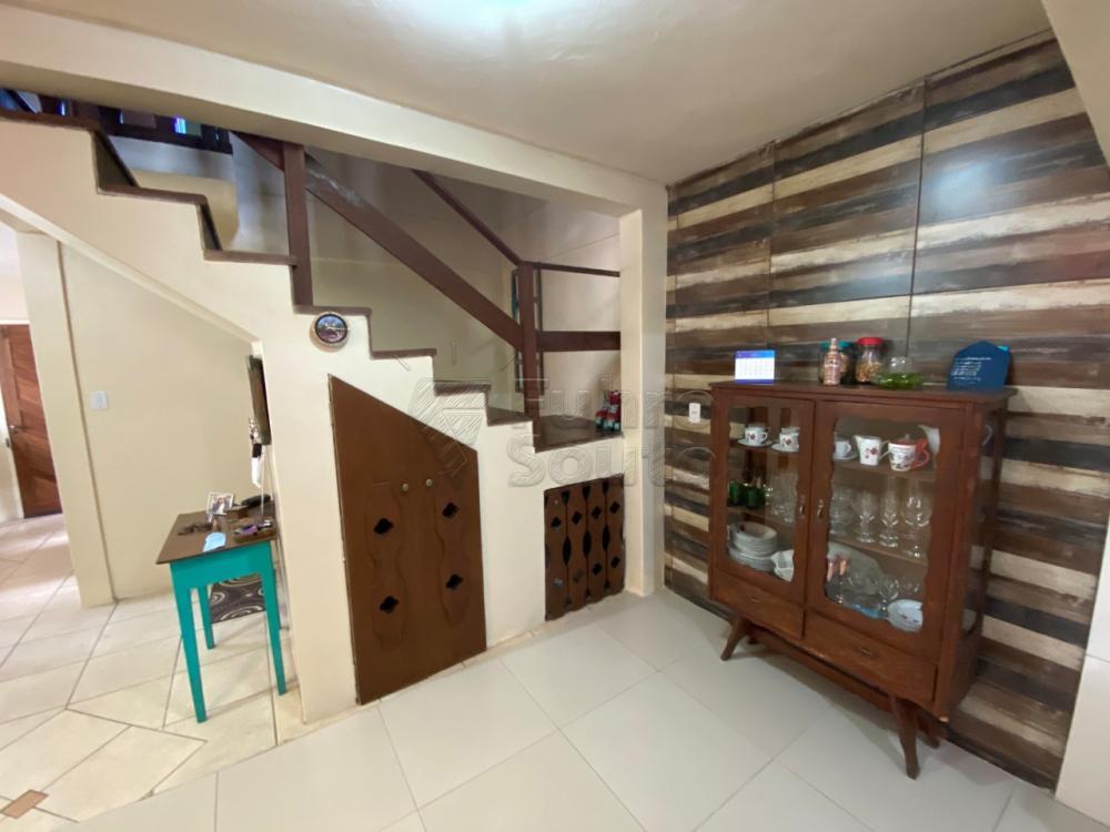 Comprar Casa / Padrão em Pelotas R$ 349.000,00 - Foto 3