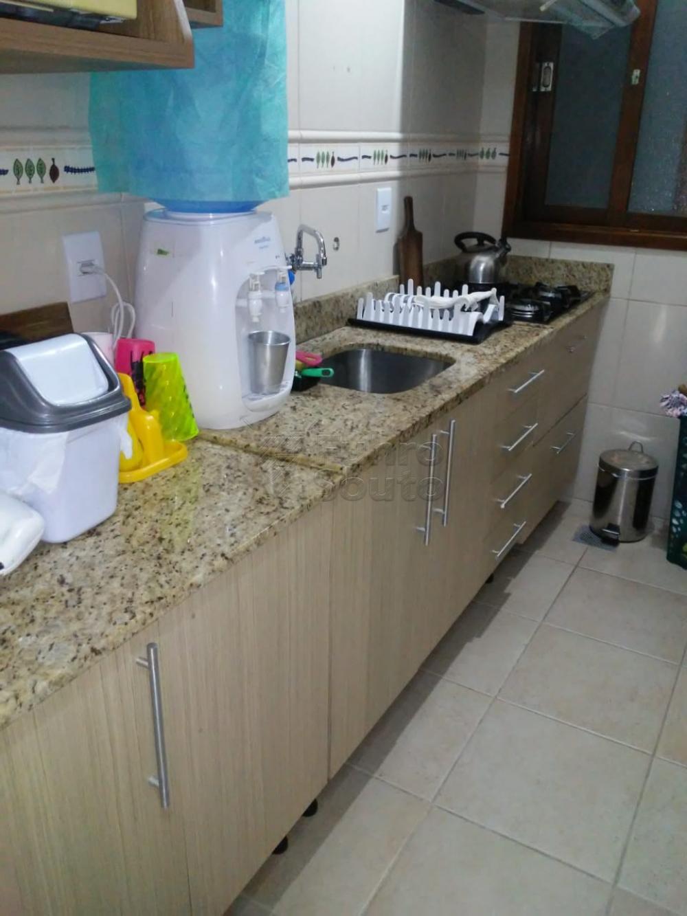 Comprar Apartamento / Padrão em Pelotas R$ 308.000,00 - Foto 8