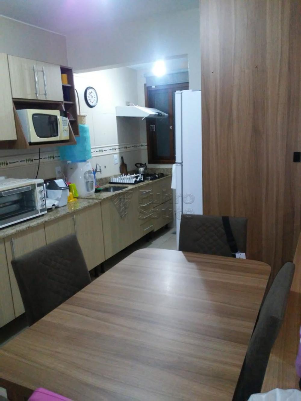 Comprar Apartamento / Padrão em Pelotas R$ 308.000,00 - Foto 5