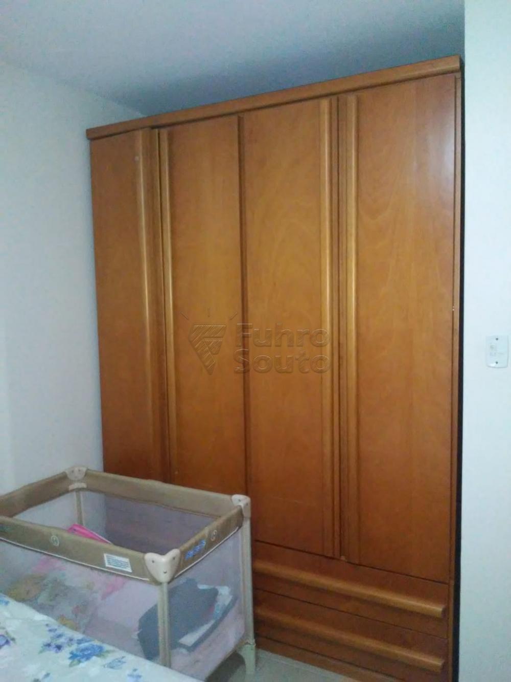 Comprar Apartamento / Padrão em Pelotas R$ 308.000,00 - Foto 4