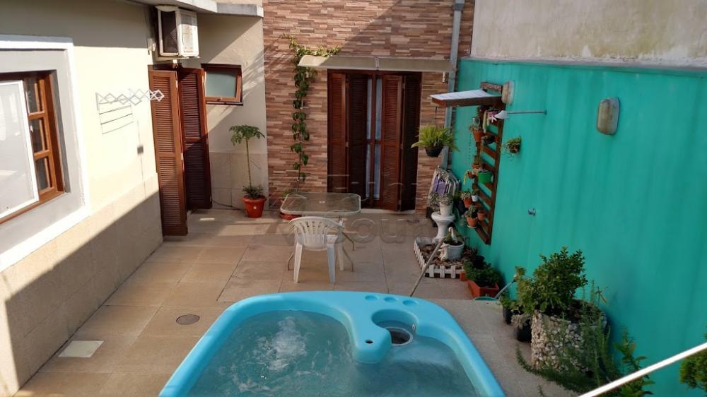 Comprar Casa / Padrão em Pelotas R$ 370.000,00 - Foto 7