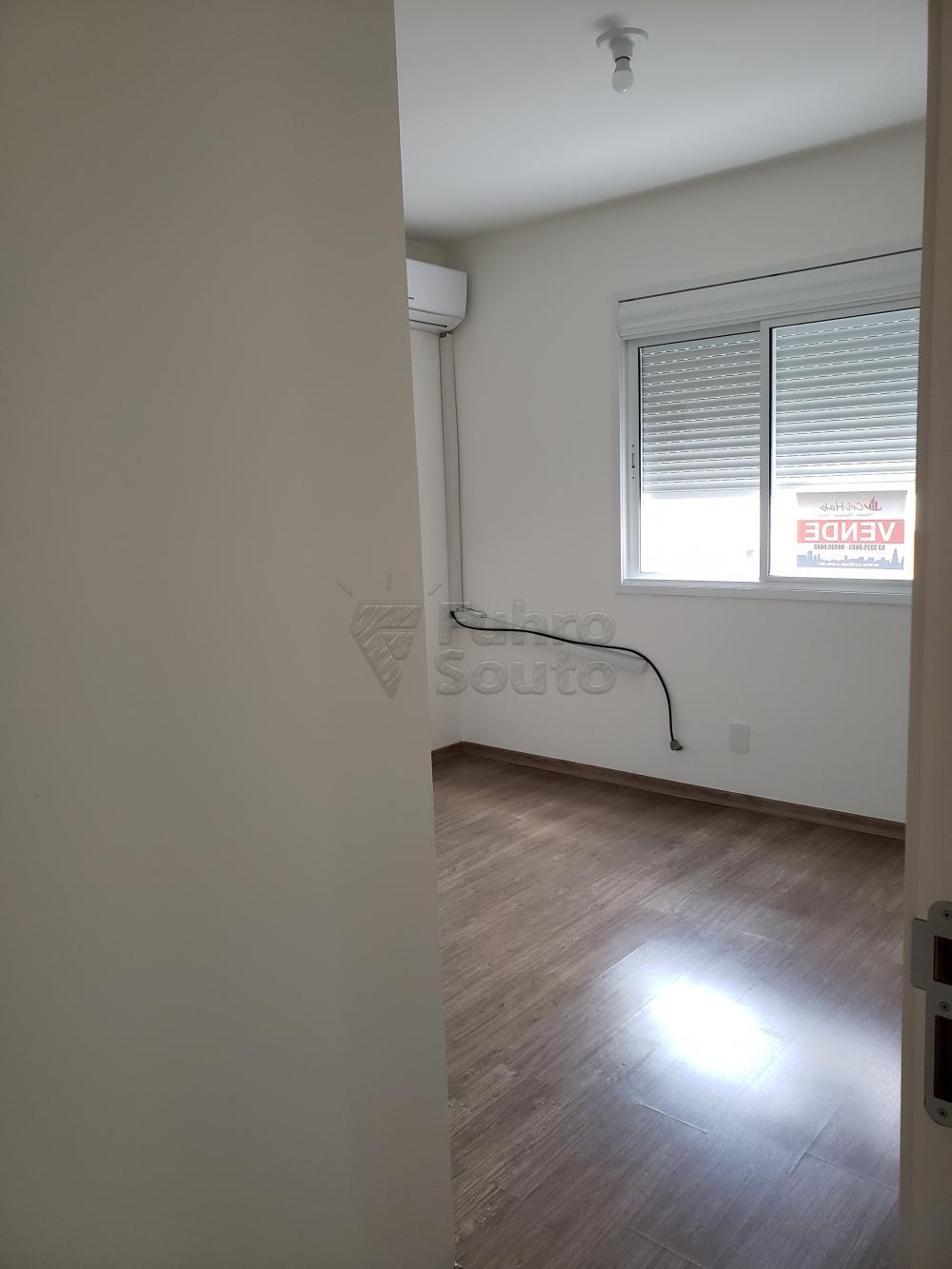 Comprar Apartamento / Padrão em Pelotas R$ 339.000,00 - Foto 7