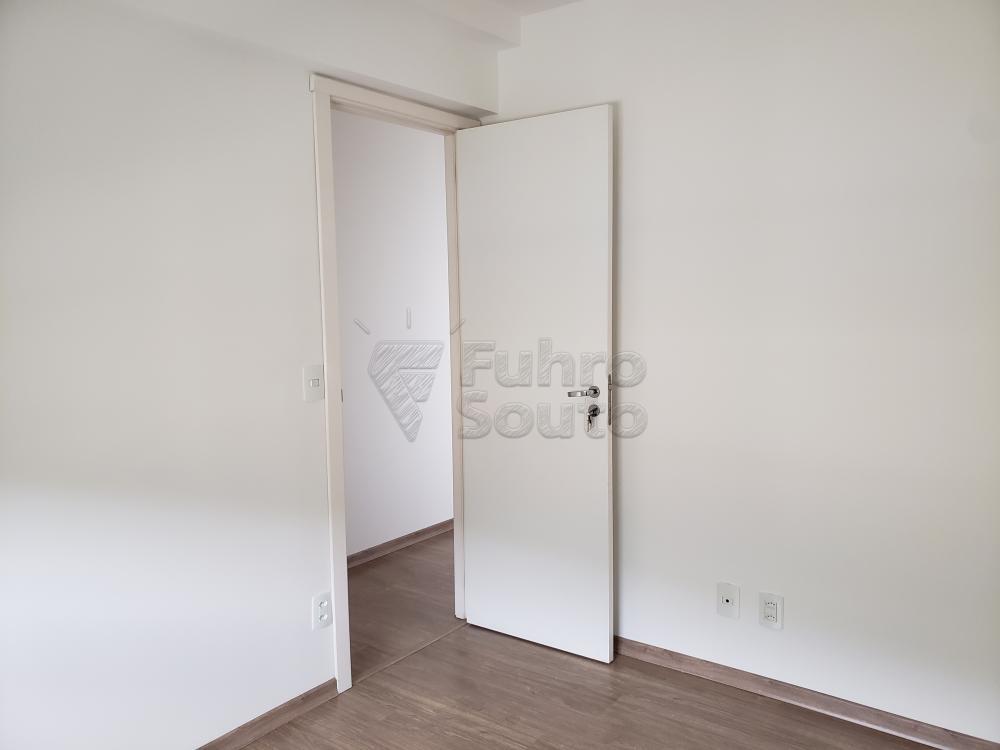 Comprar Apartamento / Padrão em Pelotas R$ 339.000,00 - Foto 8