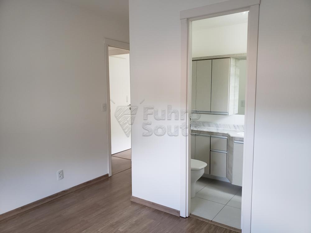 Comprar Apartamento / Padrão em Pelotas R$ 339.000,00 - Foto 9