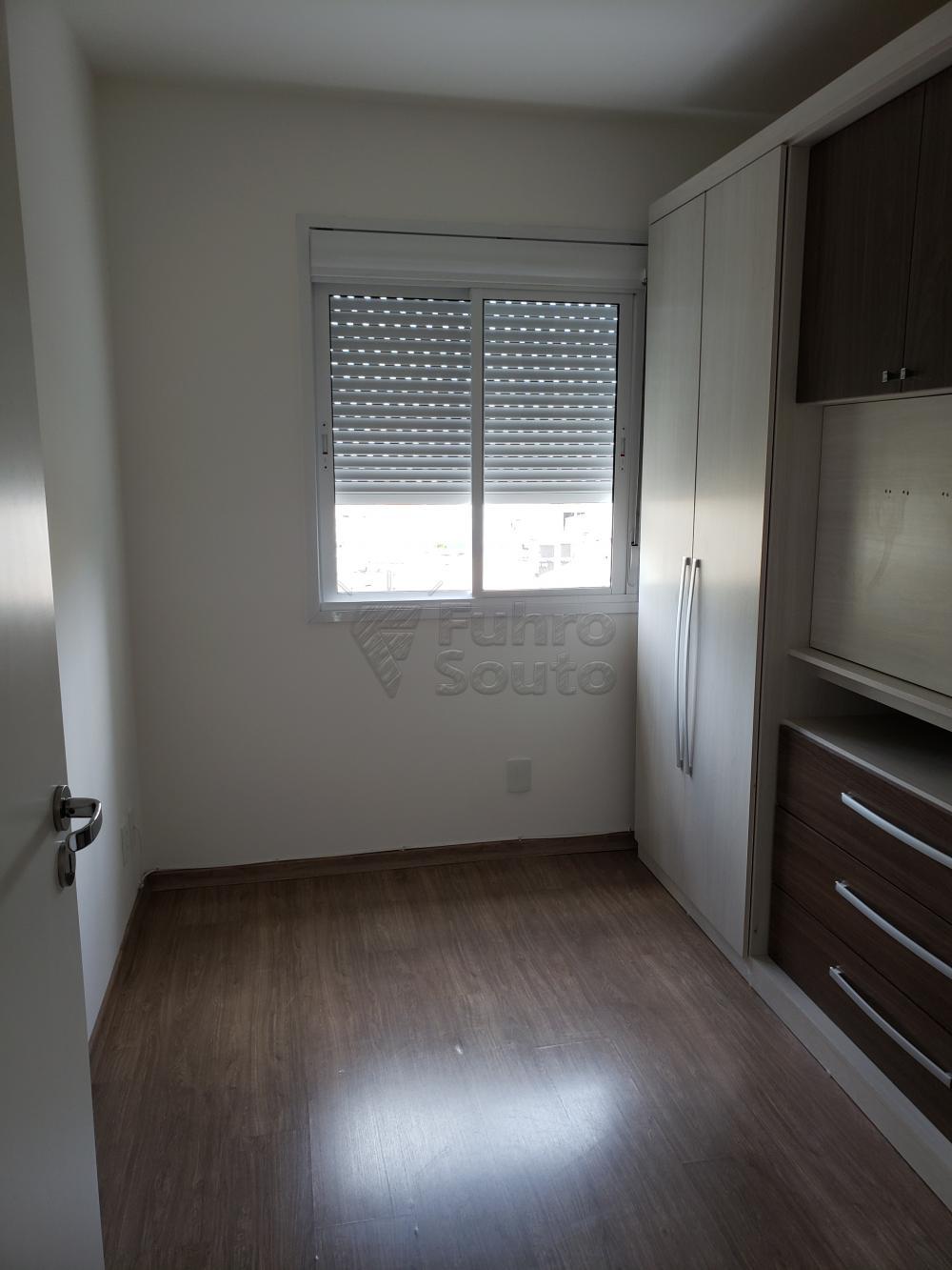 Comprar Apartamento / Padrão em Pelotas R$ 339.000,00 - Foto 11