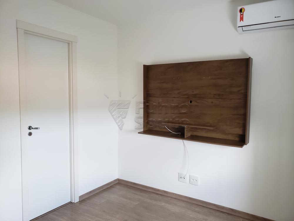 Comprar Apartamento / Padrão em Pelotas R$ 339.000,00 - Foto 12
