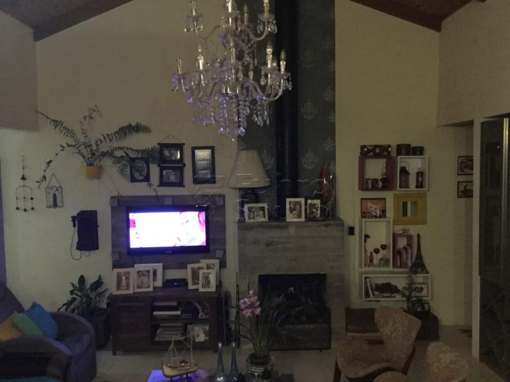 Comprar Casa / Padrão em Pelotas R$ 590.000,00 - Foto 1