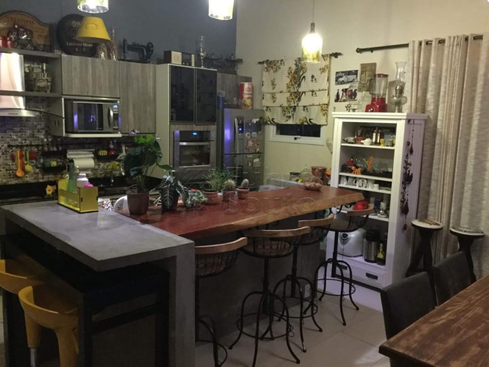 Comprar Casa / Padrão em Pelotas R$ 590.000,00 - Foto 3