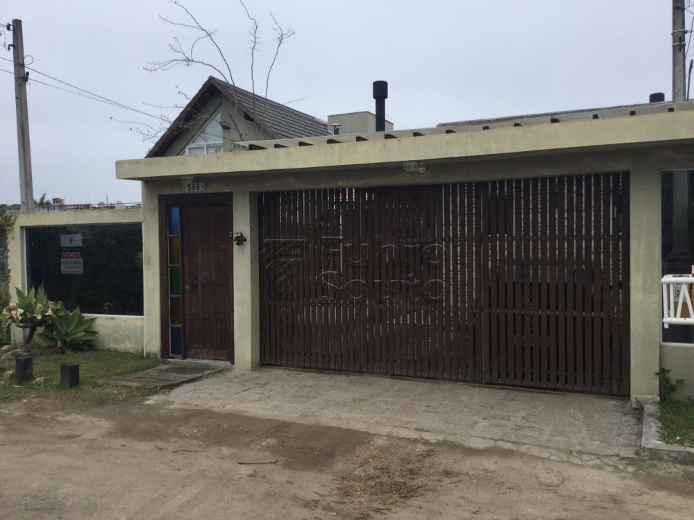 Comprar Casa / Padrão em Pelotas R$ 590.000,00 - Foto 6