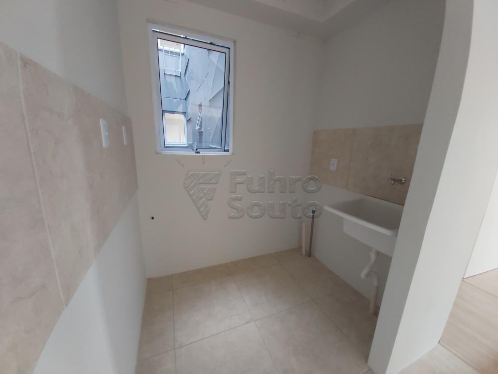 Comprar Apartamento / Padrão em Pelotas R$ 145.000,00 - Foto 3