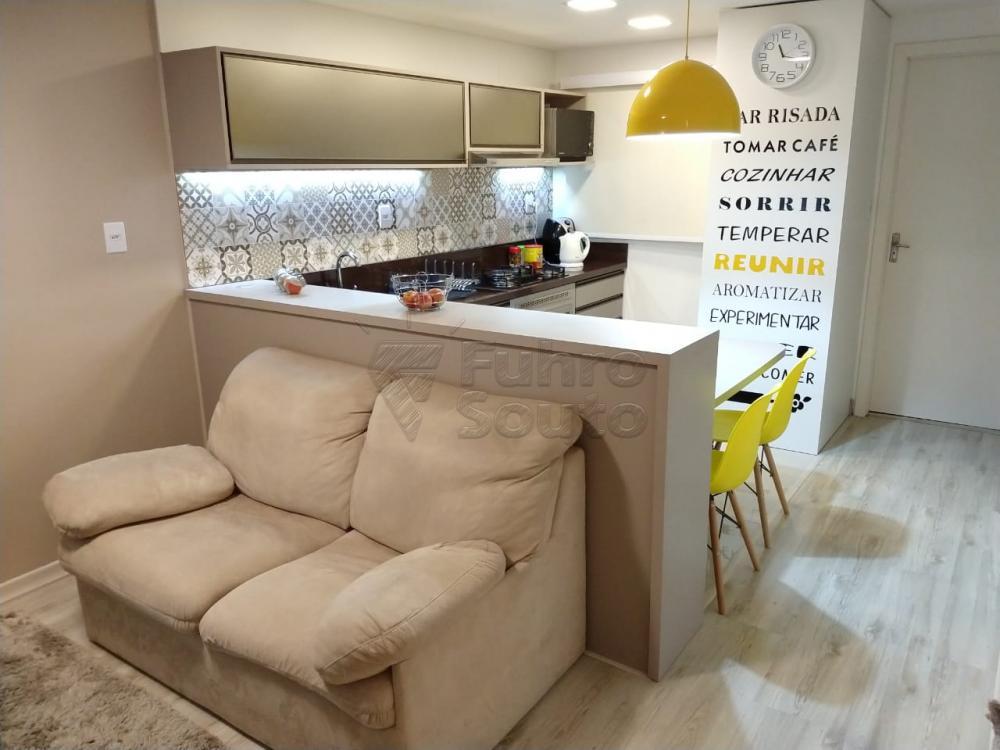 Comprar Apartamento / Padrão em Pelotas R$ 155.000,00 - Foto 1