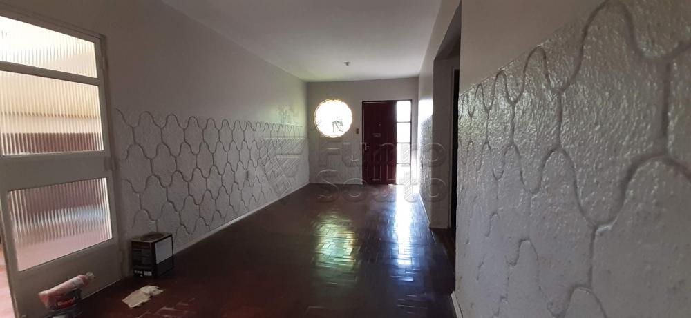 Alugar Casa / Padrão em Pelotas R$ 1.300,00 - Foto 1