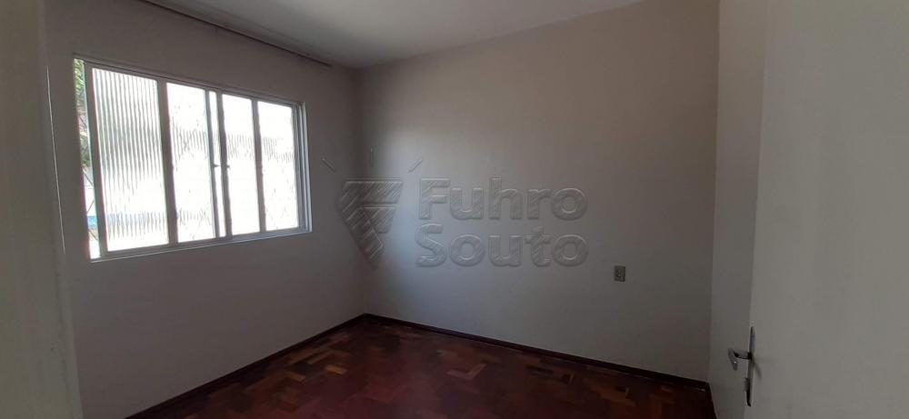 Alugar Casa / Padrão em Pelotas R$ 1.300,00 - Foto 5