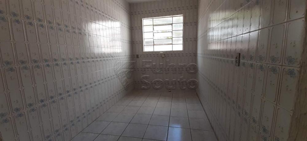 Alugar Casa / Padrão em Pelotas R$ 1.300,00 - Foto 7
