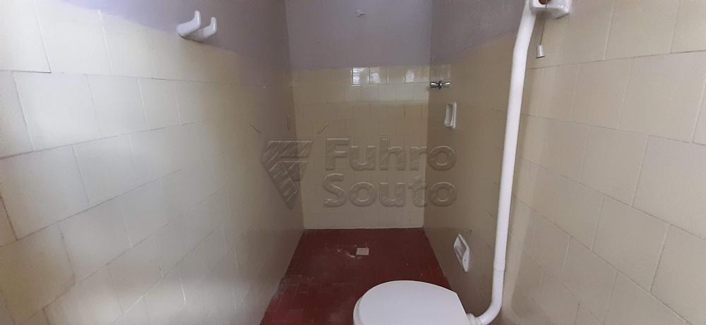 Alugar Casa / Padrão em Pelotas R$ 1.300,00 - Foto 9