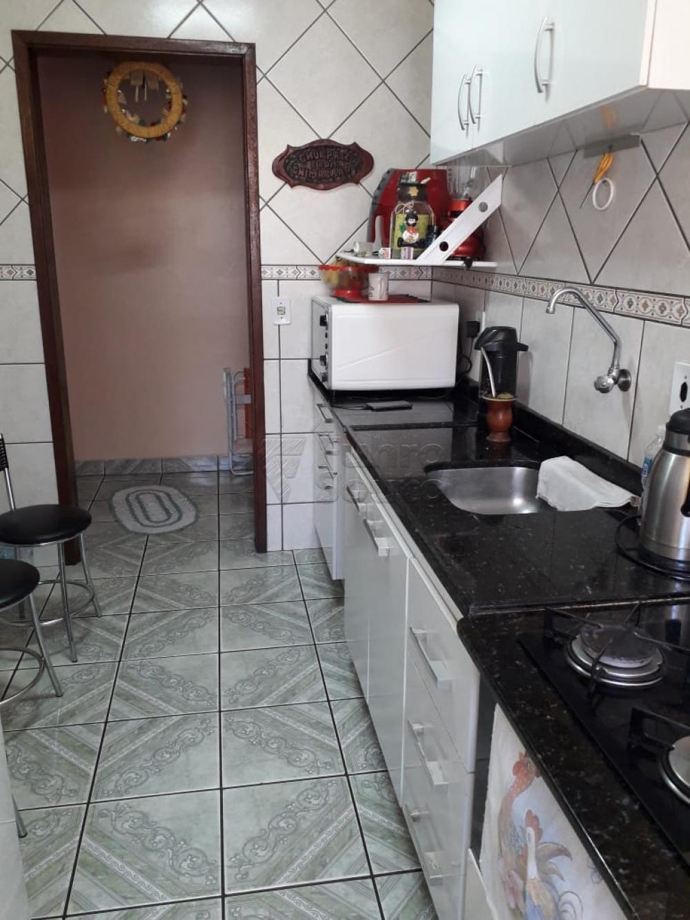 Comprar Apartamento / Padrão em Pelotas R$ 254.400,00 - Foto 8