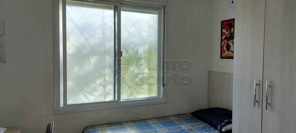 Comprar Apartamento / Padrão em Pelotas R$ 200.000,00 - Foto 6